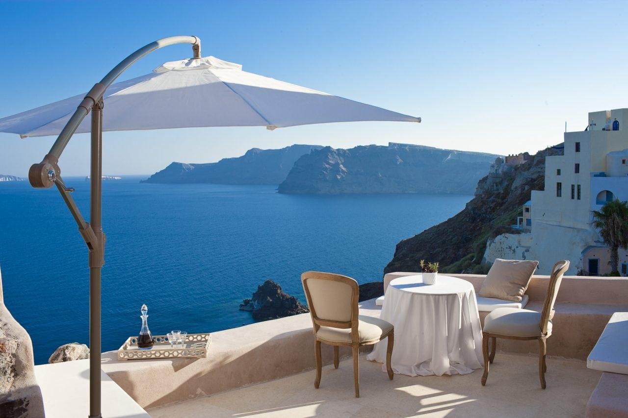 Balcony Adrasteia Sadorini InStyle Villas - Cum arata o investitie rezidentiala de 300.000 euro in posibilitati... globale
