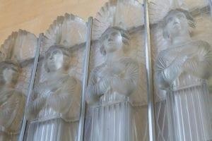 Ren¬ Lalique glass angels St Matthews Church 300x200 - Opera cu care casa Lalique onoreaza arhitectura
