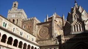 hospederia 300x169 - Real Monasterio de Guadalupe