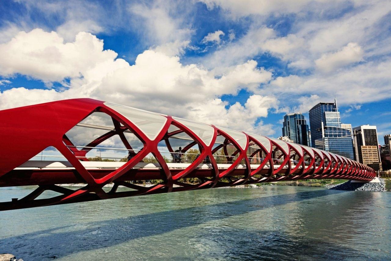 worlds best pedestrian bridges alberta calgary - Cele mai frumoase poduri pietonale din lume