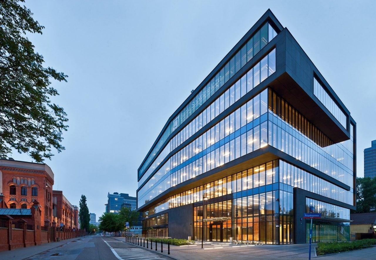 office bulding - Raport: Chiriile pentru birouri vor crește anul acesta în orașe europene cheie