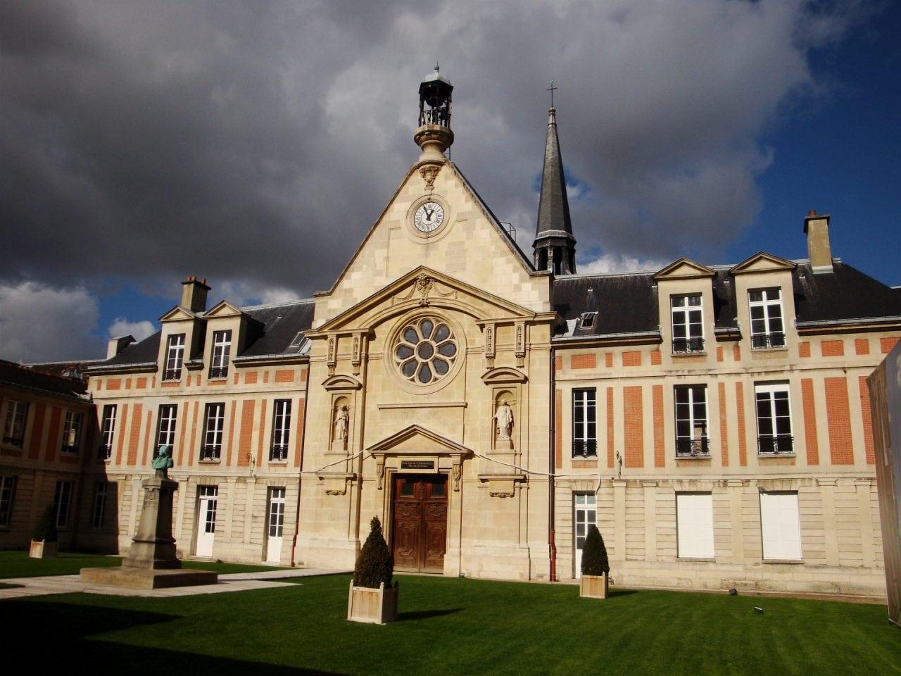 Laennec - Aportul industriei luxului la cladirea sau restaurarea patrimoniului arhitectural