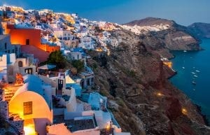 15 Santorini Oia Blauw uurtje 300x193 - Second homes... prin vecini