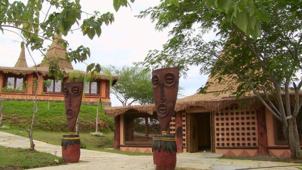 Parque Temático Hacienda Nápoles 1024x576 - Infamous Homeowners: Pablo Escobar și Hacienda Nápoles