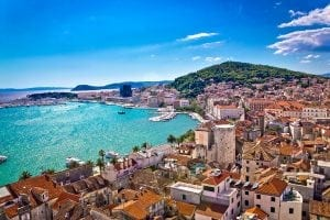 split waterfront and marjan hill view istock 000072819159 large 2 300x200 - Second homes... prin vecini