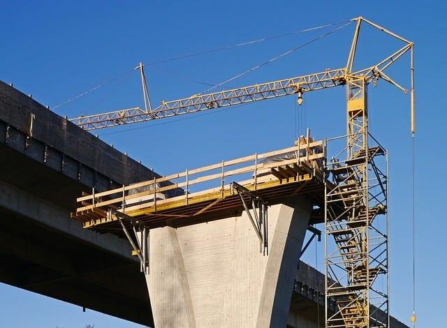 constructii 1 - Construcțiile inginerești, pe plus în primele șapte luni