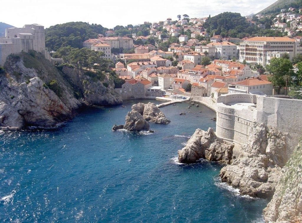 croatia 1024x757 - Top Real Estate Magazine: 10 țări europene în care e oportun să cumperi casă în 2018