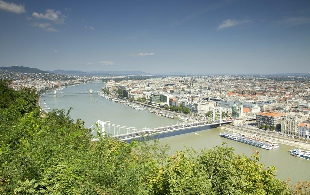 ungaria - Top Real Estate Magazine: 10 țări europene în care e oportun să cumperi casă în 2018