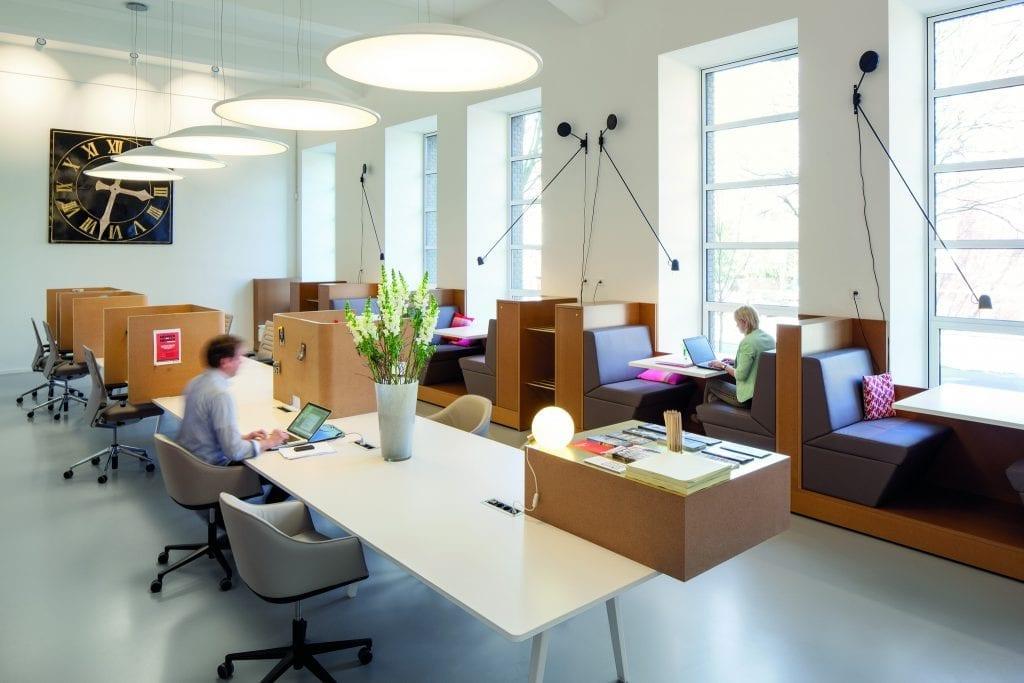 BusinessClub 04 RO 1024x683 - Analiză. Revoluția din segmentul birourilor: spațiile de coworking, în creștere accelerată