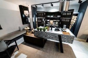 Eveniment Delta Studio weareluxury bucatarie Gamadecor Porcelanosa Kitchens 1 300x200 - GALERIE FOTO: Delta Studio expune cele mai noi colecții de mobilier italian și spaniol, lansate la Salone del Mobile Milano 2018