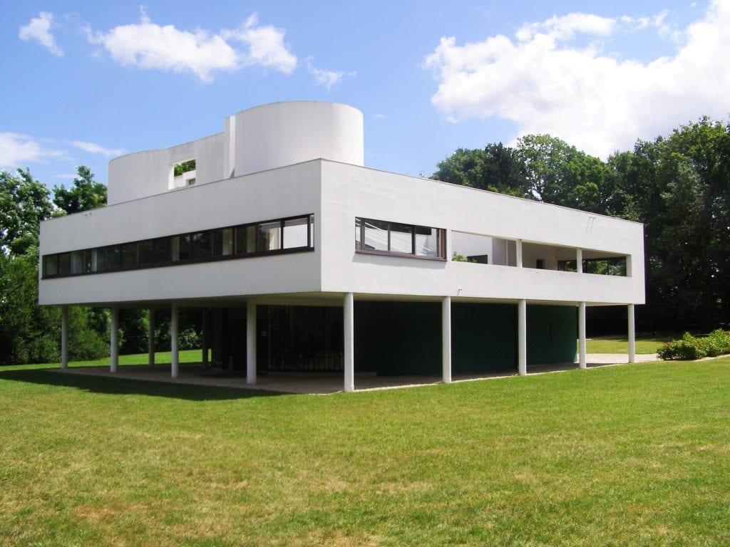 villa savoye 1024x768 - Villa Savoye și cele 5 principii ale arhitecturii, enunțate de Le Corbusier