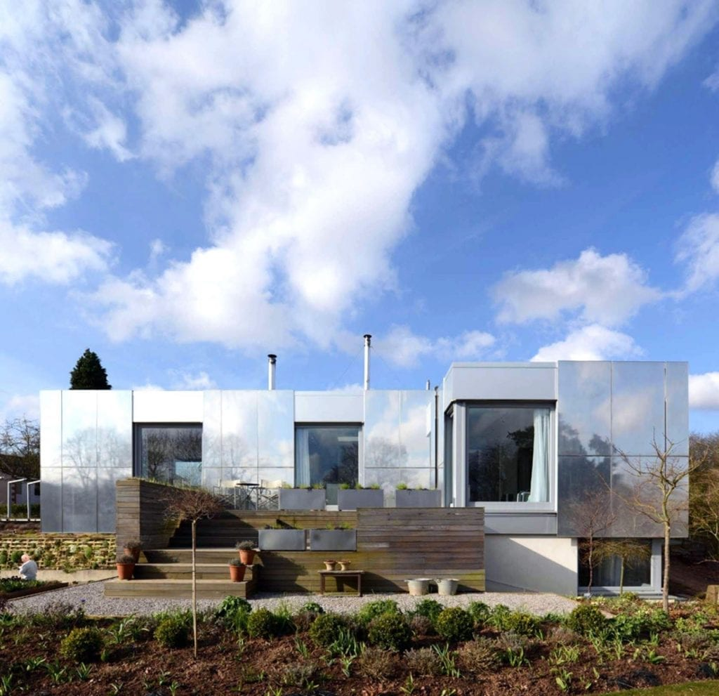 416d0d10978c3140641ffe775677c482 1024x991 - Unconventional Homes: Buncăre convertite în locuințe