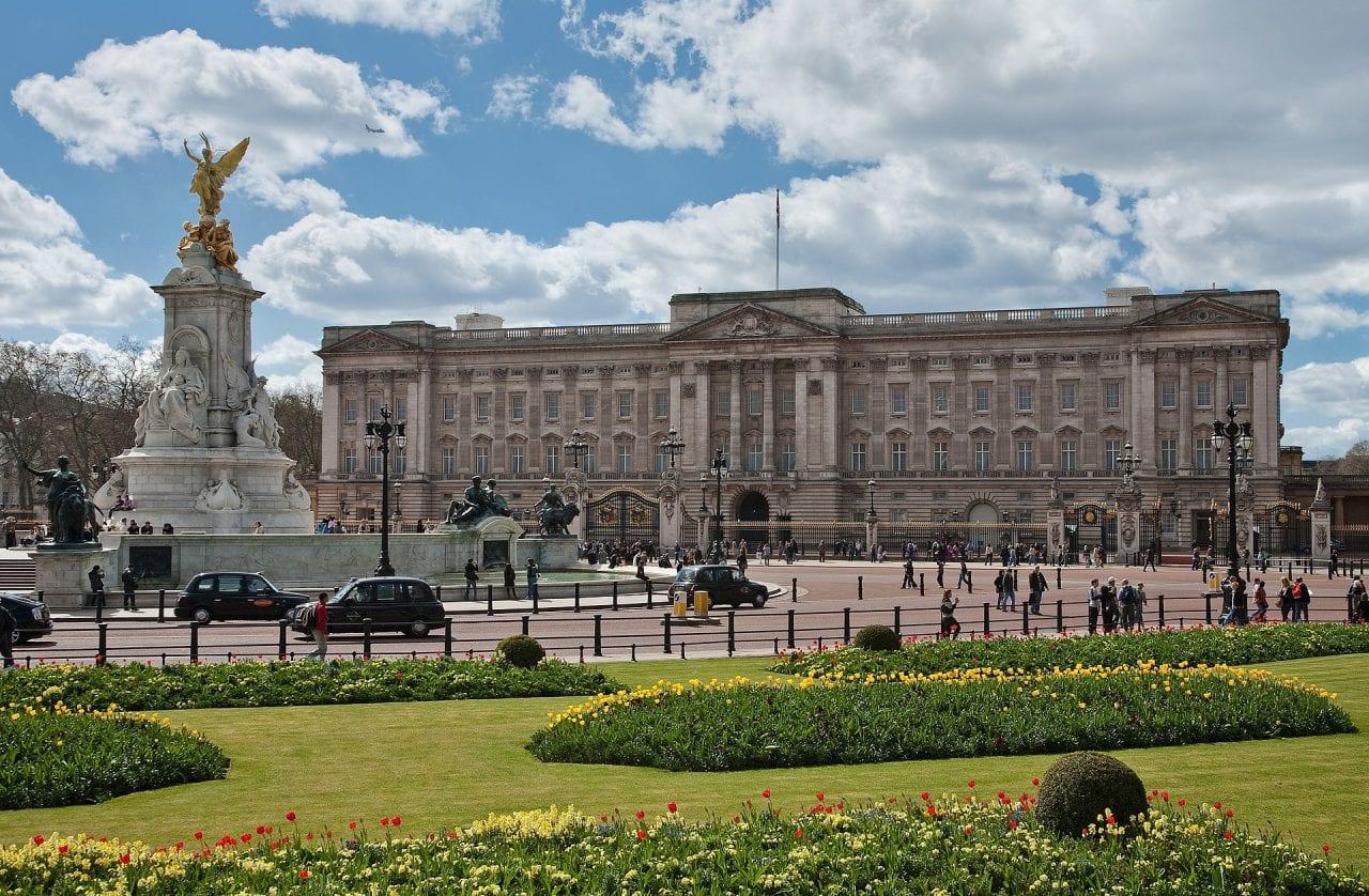 1 1 - Secretele Palatelor | Buckingham Palace – Un palat cu aer de poveste