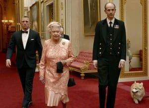 5 300x218 - Secretele Palatelor | Buckingham Palace – Un palat cu aer de poveste