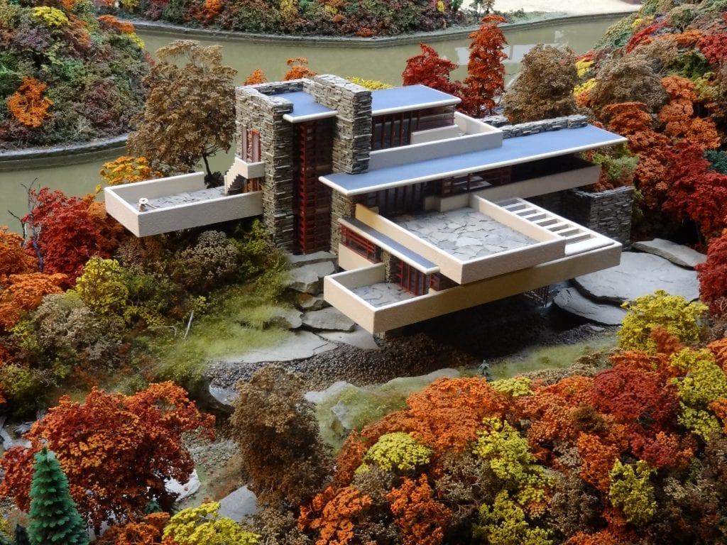 By Raunaq Gupta Own work 1024x768 - Unconventional Homes Fallingwater – spectacolul naturii în armonie cu geniul arhitectonic