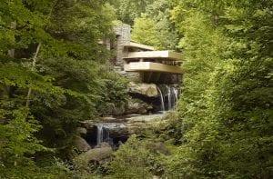 Fallingwater 2007 300x197 - Unconventional Homes Fallingwater – spectacolul naturii în armonie cu geniul arhitectonic