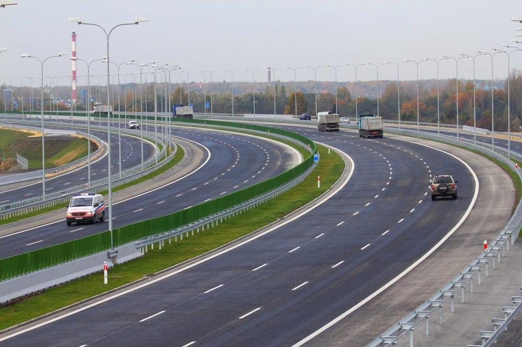 autostrada a1 1024x682 - Infrastructura de transport la raport:  Drumul României spre 1.000 de kilometri de autostradă