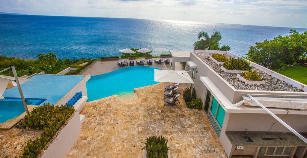 casa vacanta mare 1024x526 - Analiză Real Estate: Investițiile în case de vacanță, o nișă pe piața imobiliară