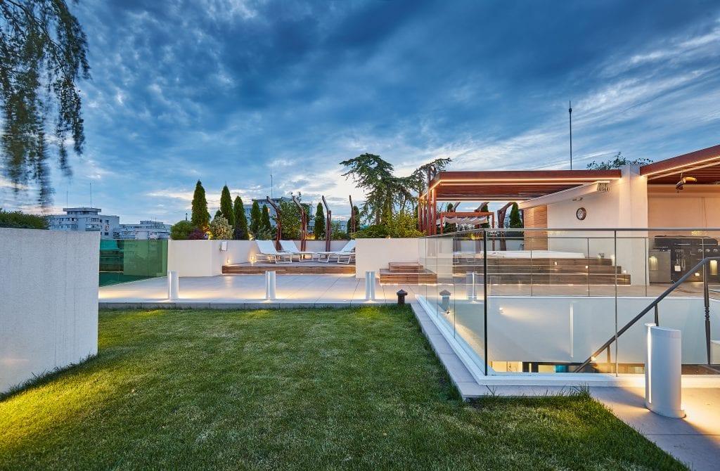 IMG 2083 1024x670 - GALERIE FOTO: Un penthouse ce oferă experiențe vizuale și tactile cu totul speciale