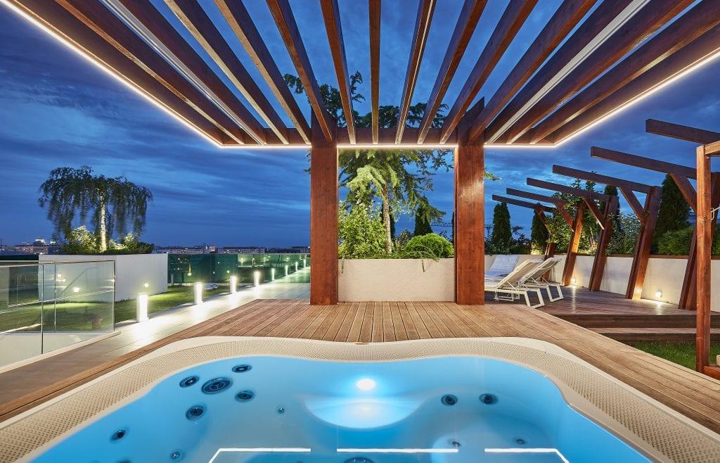 IMG 2128 1024x658 - GALERIE FOTO: Un penthouse ce oferă experiențe vizuale și tactile cu totul speciale