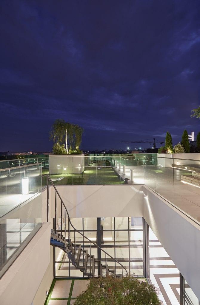 IMG 2158 670x1024 - GALERIE FOTO: Un penthouse ce oferă experiențe vizuale și tactile cu totul speciale