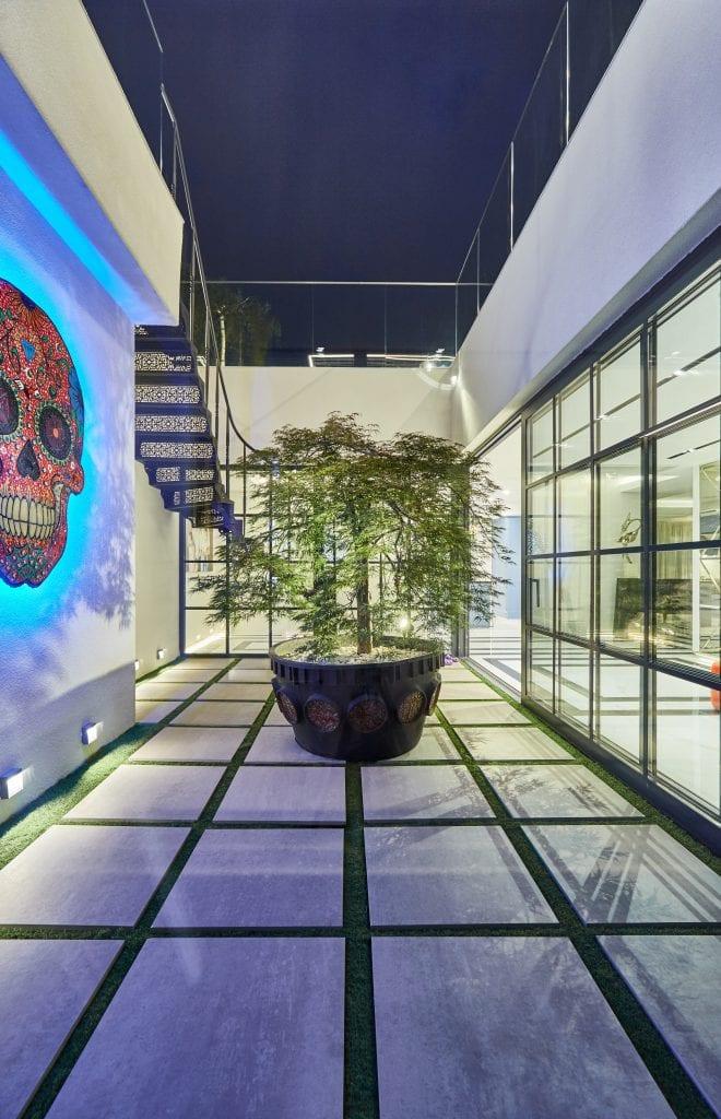 IMG 2165 660x1024 - GALERIE FOTO: Un penthouse ce oferă experiențe vizuale și tactile cu totul speciale