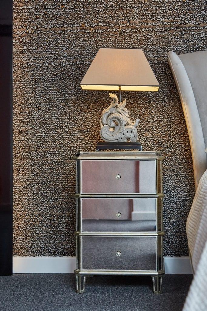 IMG 2356 683x1024 - GALERIE FOTO: Un penthouse ce oferă experiențe vizuale și tactile cu totul speciale