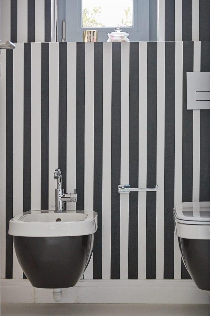 IMG 2366 679x1024 - GALERIE FOTO: Un penthouse ce oferă experiențe vizuale și tactile cu totul speciale