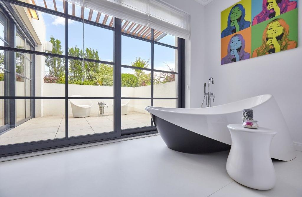 IMG 2428 1024x670 - GALERIE FOTO: Un penthouse ce oferă experiențe vizuale și tactile cu totul speciale