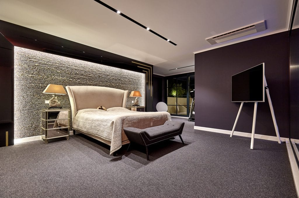 IMG 2821 1024x679 - GALERIE FOTO: Un penthouse ce oferă experiențe vizuale și tactile cu totul speciale