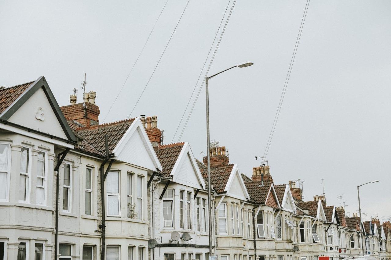 case marea britanie - Prețul mediu al caselor din SUA, creștere la 285.700 de dolari în iunie