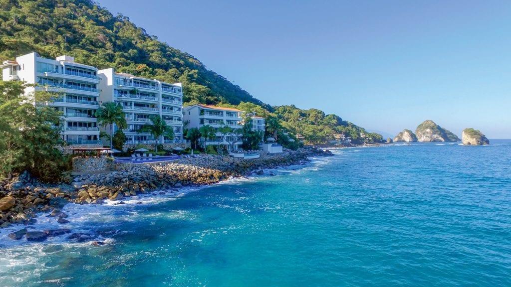 II2 Puerto Vallarta Mexic sursa www.vallartalifestyles.com  1024x576 - America Latină, în topul preferințelor investitorilor imobiliari internaționali