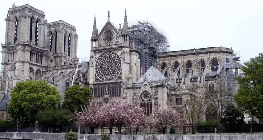 notre dame - Topul donatorilor pentru reconstrucția Catedralei Notre Dame: aproape 1 miliard de euro strânși