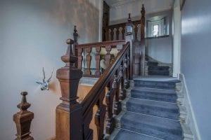 062 Kemys Manor. C Walesonline.co .uk jpg 300x200 - Unconventional Homes: Kemeys Folly, o fostă cabană de vânătoare transformată în reședință de lux