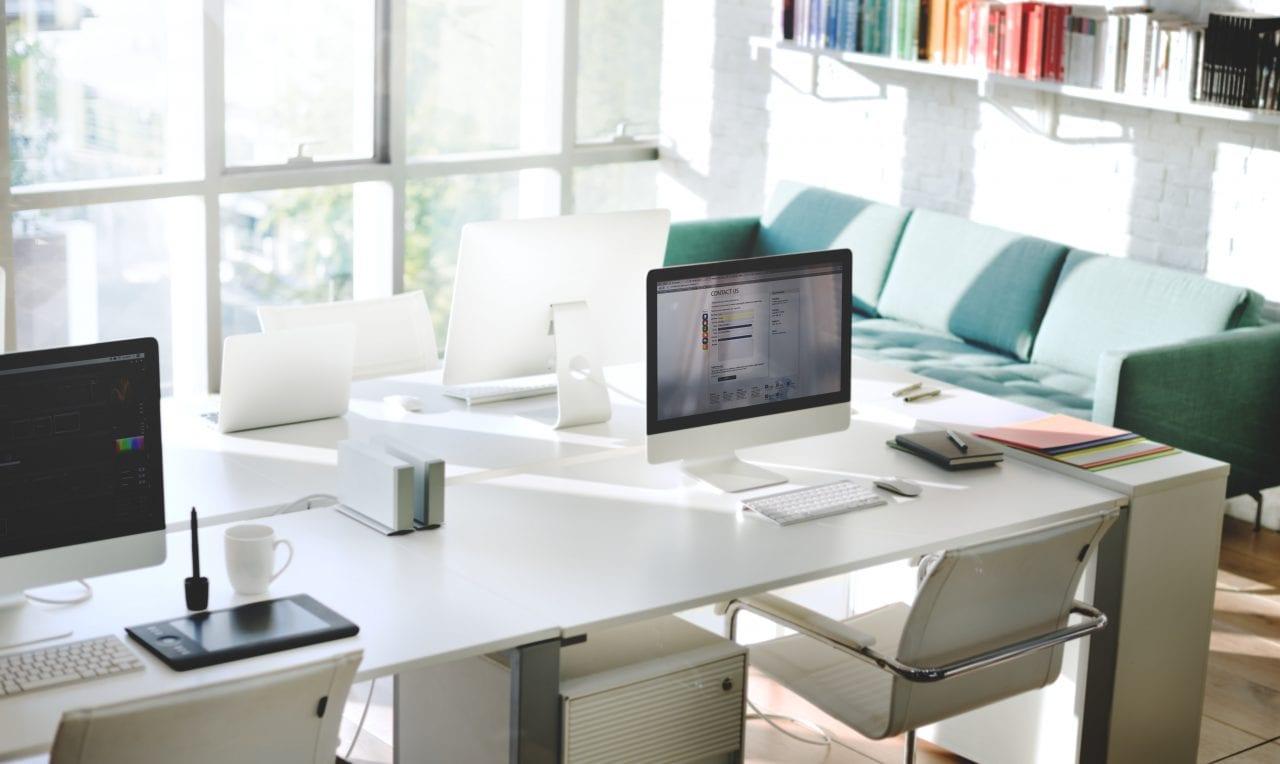 23184 - SUA: Când se întorc în birouri angajații marilor companii?