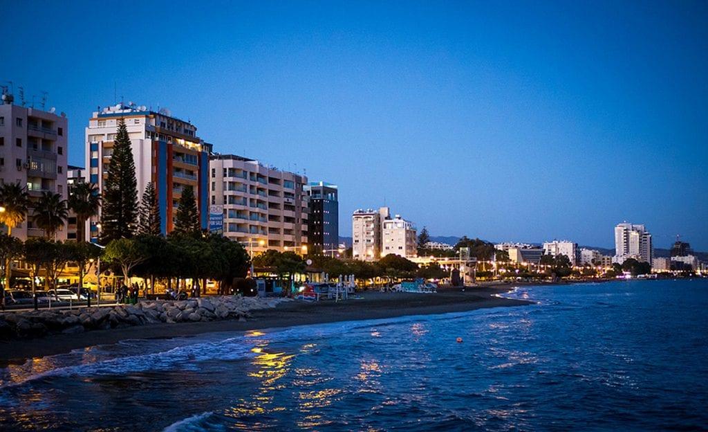 25611591002 fbfbed019b b 1024x624 - Real Property: De ce piaţa imobiliară din Cipru este irezistibilă pentru investitorii străini?