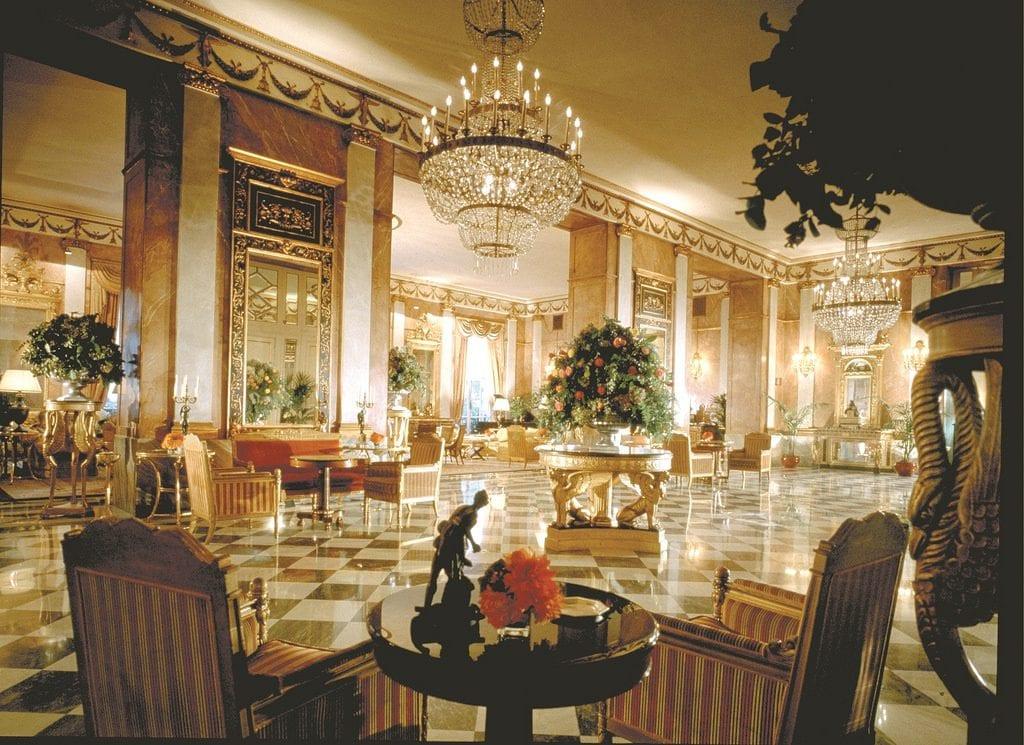 9513756978 e261dc70b9 b 1024x745 - Top: Cele mai luxoase hoteluri din lume