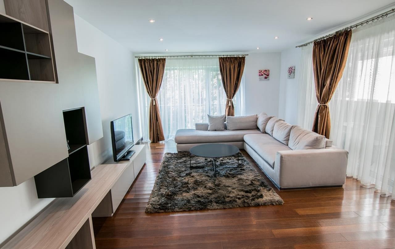 Apartament in Alia Apartments sursa booking.com  - BNR: Proprietățile imobiliare reprezintă 80% din averea românilor
