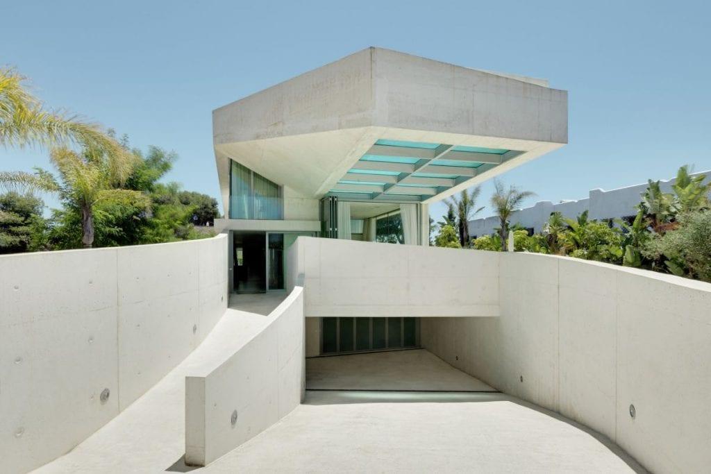 Concrete Jellyfish House Wiel Arets Architects 1024x683 - Unconventional Homes: Case din beton cu design neașteptat