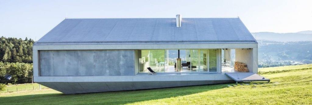 Koniecznys Ark concrete house design by KWK Promes 1024x345 - Unconventional Homes: Case din beton cu design neașteptat