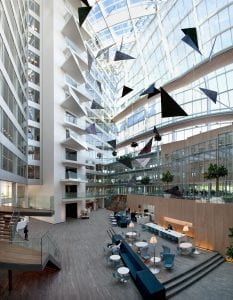 The Edge sursa gestion.pe  233x300 - Top: Cele mai importante clădiri de birouri din lume
