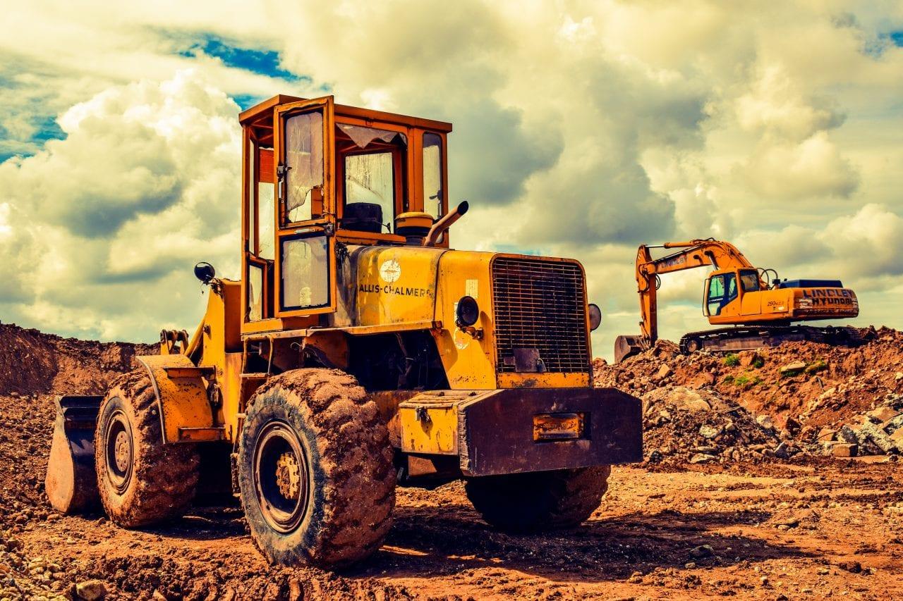 bulldozer 2195329 - Viitorul imobiliar al Moldovei, dependent de autostradă