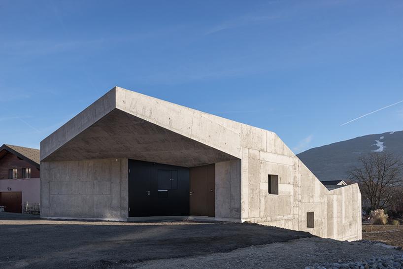 concrete anako architecture design house - Unconventional Homes: Case din beton cu design neașteptat