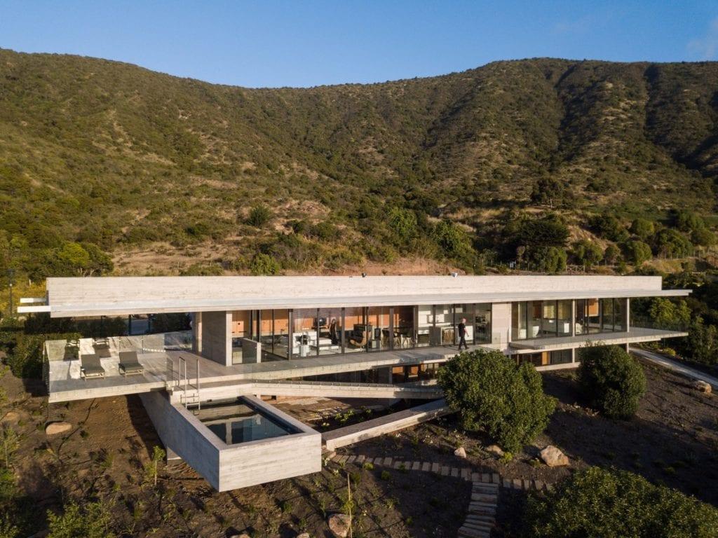 house h felipe assadi arquitectos architecture house chile dezeen 2364 col 2 copy 1024x768 - Cele mai hot case ale anului 2018 (II)