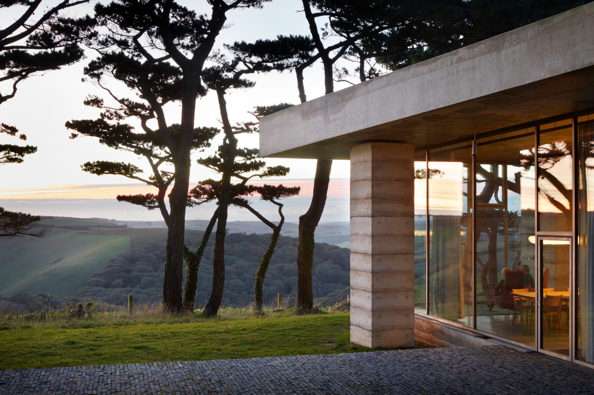 peter zumthor secular retreat living architecture dezeen 2364 col 6 - Cele mai hot case ale anului 2018 (II)