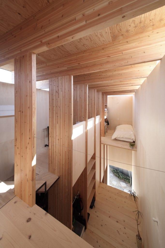 tnoie katsutoshi sasaki architecture residential japan black houses dezeen 2364 col 5 copy 683x1024 - Cele mai hot case ale anului 2018 (II)