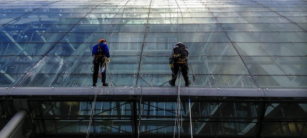 window 1024x461 - Adaptarea și creșterea, coordonatele pieței de facility management în 2019
