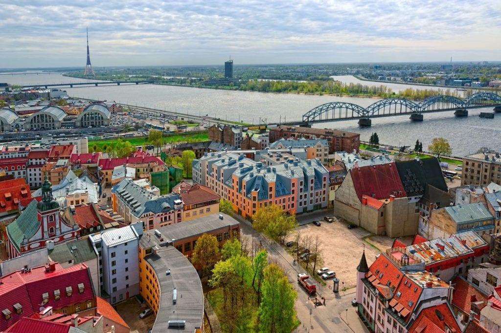 1384974259000 Riga panoramio by Igor Grochev copy 1024x681 - Analiză: Perspective optimiste pentru piața imobiliară europeană