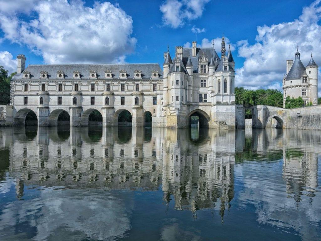 Chateau de Chenonceau 1 copy 1024x768 - Secretele Palatelor: Château de Chenonceau, castelul disputat de Caterina de Medici şi Diane de Poitiers
