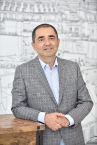 Lucian Anghel Facilities Management Services copy 200x300 - Analiză: Dezvoltatorii imobiliari, tot mai interesați de tehnologiile smart din piață